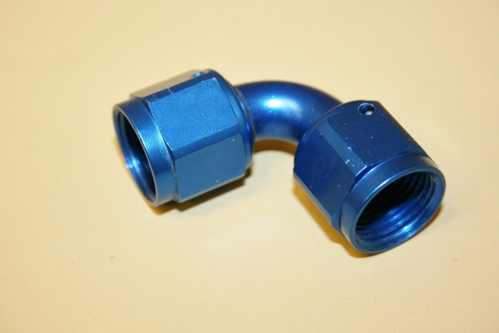 SOLD Used -8 90 Degree Coupler Russell #640170